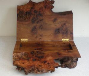 Burry elm box. by Sue Burbidge