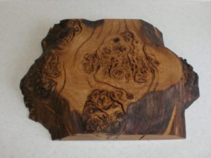 Burry brown oak box. by Sue Burbidge