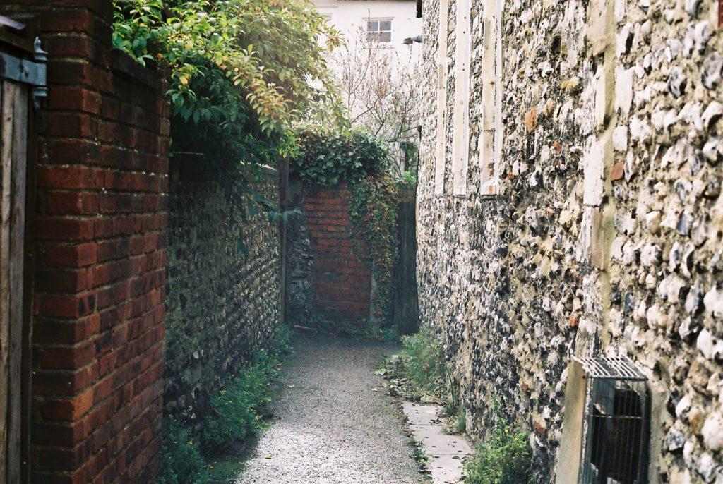 15411 || 3109 || Alley Way ||  || 5780