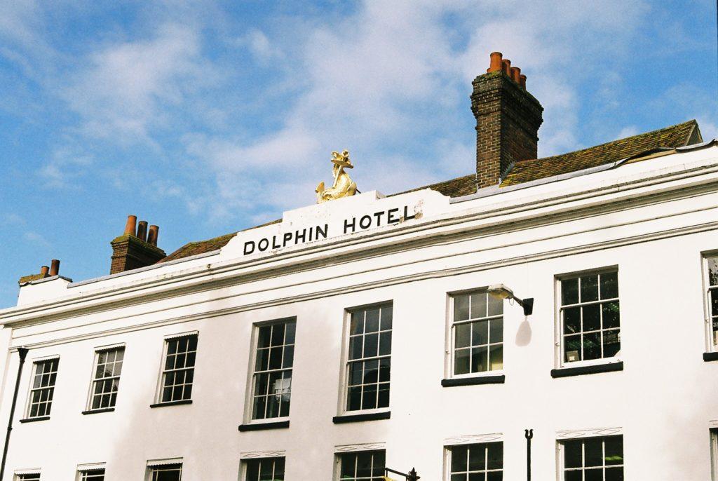 15414 || 3109 || Dolphin Hotel ||  || 5780