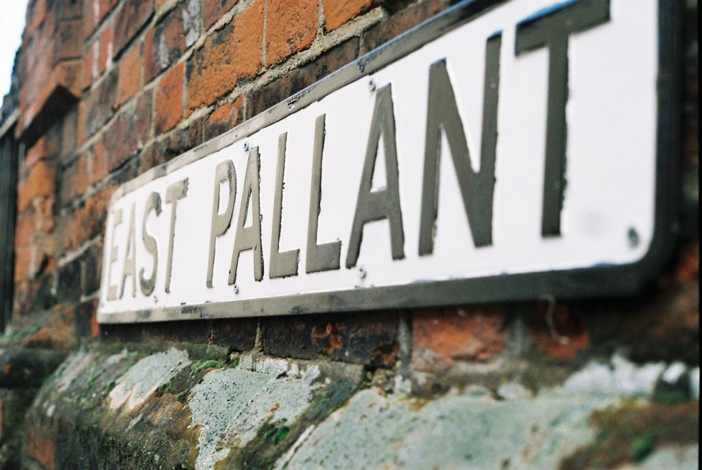 15427 || 3109 || East Pallant Street Sign ||  || 5780