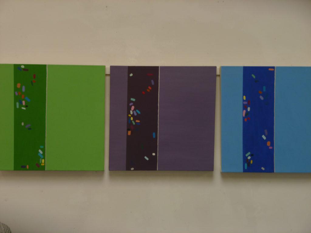 9945 || 2575 || Colour