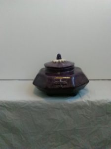 Tea caddy by Gary Raven