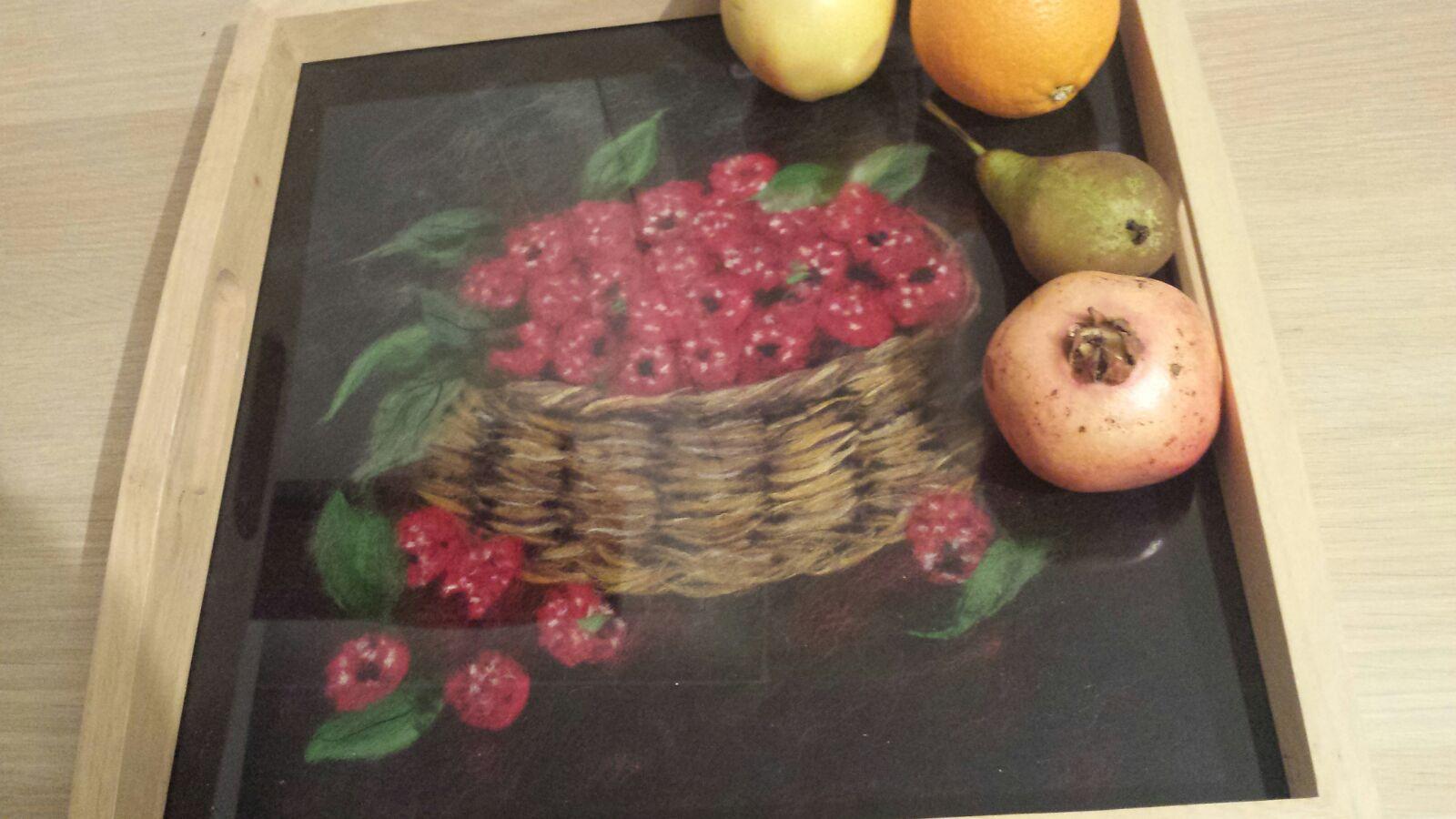 "38896 || 5727 || Tea tray. ""Rassberries"""